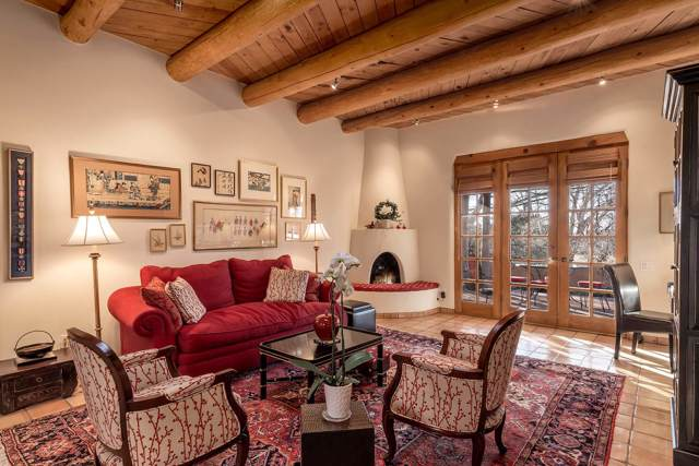 3101 Old Pecos Trail #420, Santa Fe, NM 87505 (MLS #202000165) :: The Desmond Group