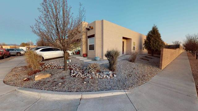 5858 Colores Del Rey St., Santa Fe, NM 87507 (MLS #202000173) :: The Desmond Group