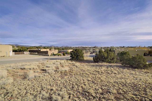 3036 Governor Lindsey Rd, Santa Fe, NM 87505 (MLS #202000175) :: The Desmond Group