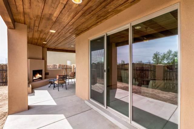 19 Bosquecillo, Santa Fe, NM 87508 (MLS #202000305) :: The Desmond Hamilton Group