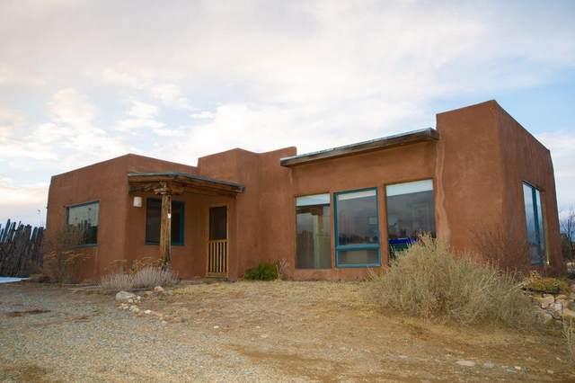 256 B&C Lower Colonias Rd, Taos, NM 87571 (MLS #202000435) :: The Very Best of Santa Fe