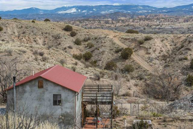 15 Azpeitia, Santa Cruz, NM 87567 (MLS #202000457) :: The Desmond Hamilton Group