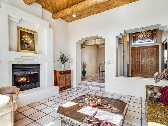 40 Camino Dimitrio, Santa Fe, NM 87508 (MLS #202000459) :: The Very Best of Santa Fe
