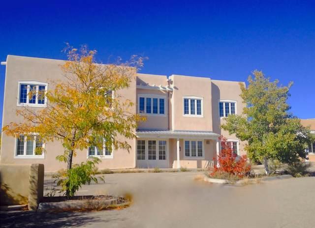 2209 Miguel Chavez Rd, Santa Fe, NM 87505 (MLS #202000496) :: The Very Best of Santa Fe