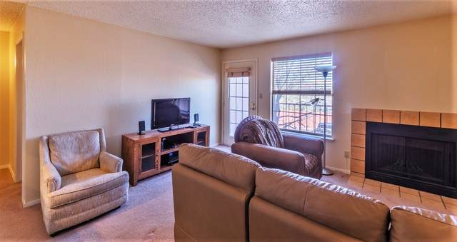 2501 W Zia Vista 210, Bldg 9, Santa Fe, NM 87505 (MLS #202000546) :: Berkshire Hathaway HomeServices Santa Fe Real Estate
