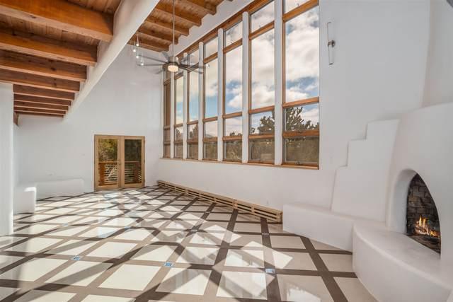 1010 Calle Lento, Santa Fe, NM 87501 (MLS #202000575) :: The Very Best of Santa Fe