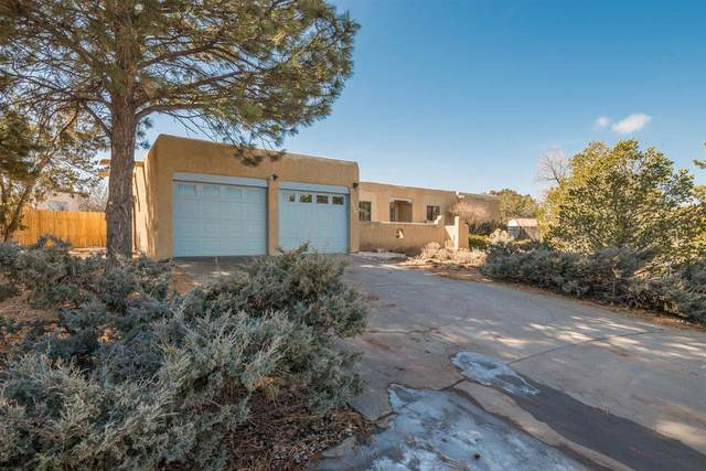 2581 Avenida De Isidro, Santa Fe, NM 87505 (MLS #202000592) :: The Desmond Hamilton Group