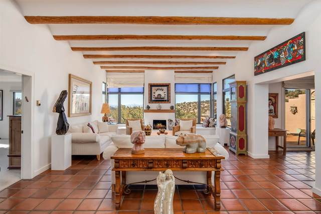 853 Camino Chaco, Santa Fe, NM 87501 (MLS #202000676) :: The Desmond Hamilton Group