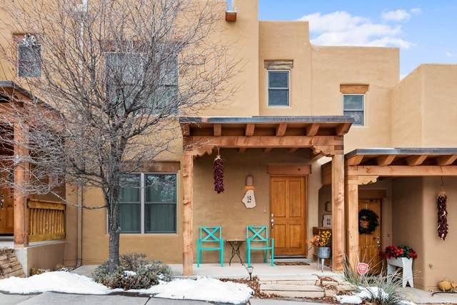 19 Calle Amistosa, Santa Fe, NM 87507 (MLS #202000693) :: The Desmond Hamilton Group