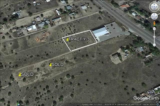 Y-3 Camino Del Sol, Hernandez, NM 87537 (MLS #202000700) :: The Desmond Hamilton Group