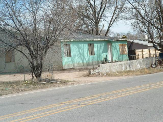 1891 Canada, Espanola, NM 87532 (MLS #202000746) :: The Desmond Hamilton Group