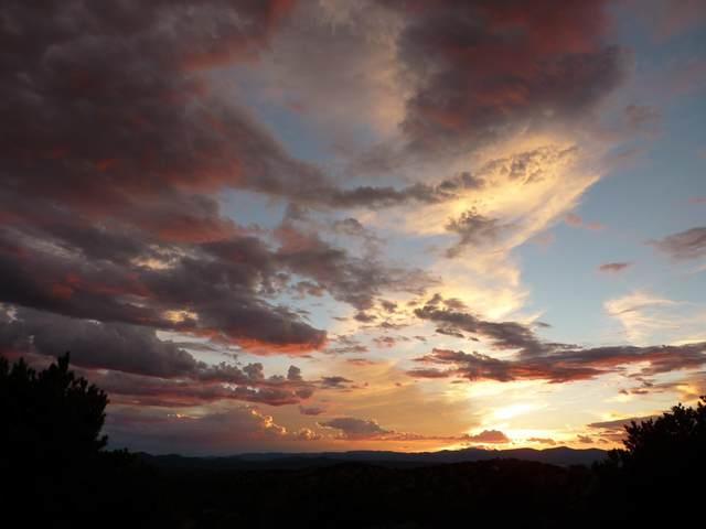 0 Near Camino De Los Montoyas, Santa Fe, NM 87506 (MLS #202000818) :: The Very Best of Santa Fe