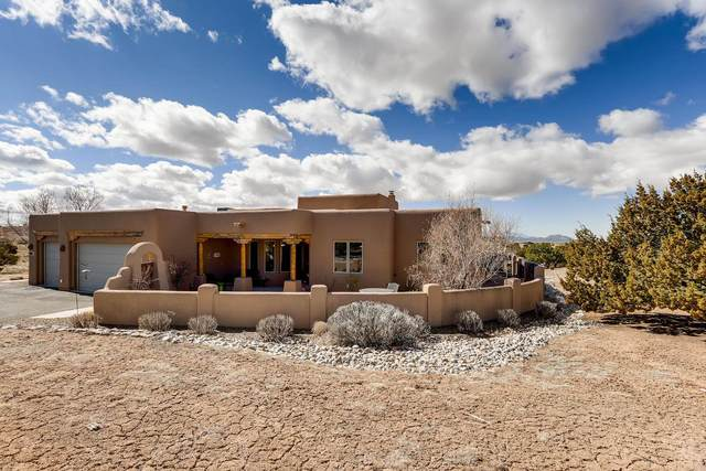 8 W Saddleback Mesa, Santa Fe, NM 87508 (MLS #202000825) :: The Very Best of Santa Fe