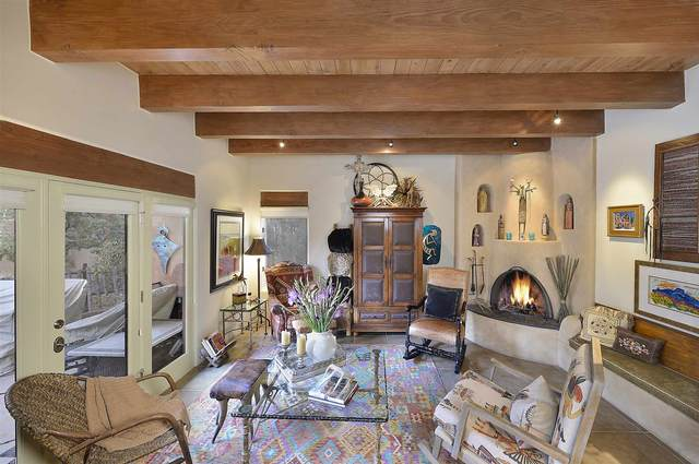 688 La Viveza Ct, Santa Fe, NM 87501 (MLS #202000836) :: Berkshire Hathaway HomeServices Santa Fe Real Estate