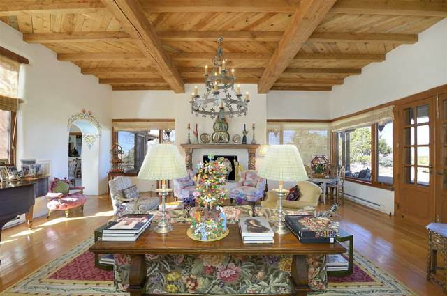 10 La Traviata, Santa Fe, NM 87506 (MLS #202000840) :: The Desmond Hamilton Group