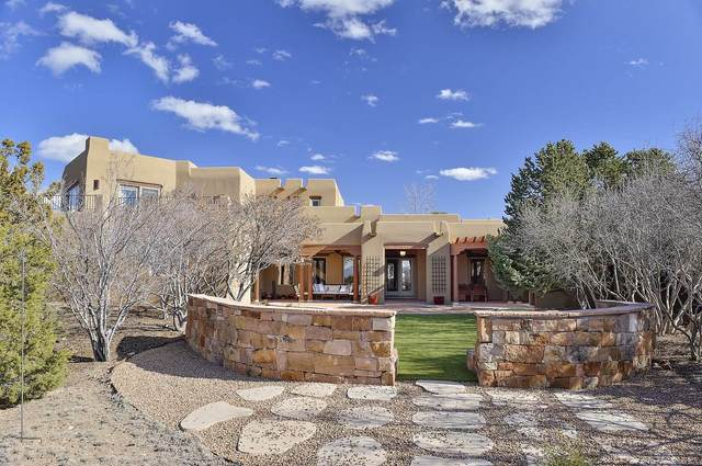 41 W Golden Eagle, Santa Fe, NM 87506 (MLS #202000848) :: The Desmond Hamilton Group