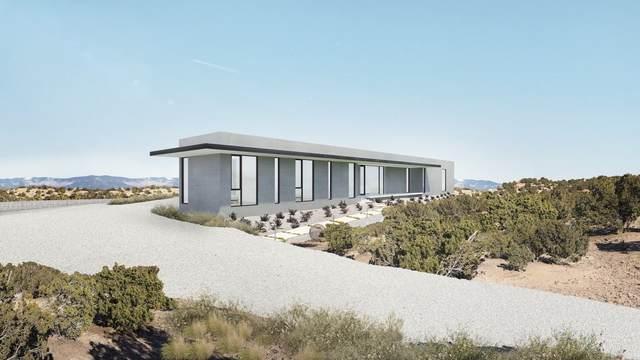 5 Vista Del Cielo, Santa Fe, NM 87506 (MLS #202000859) :: Summit Group Real Estate Professionals