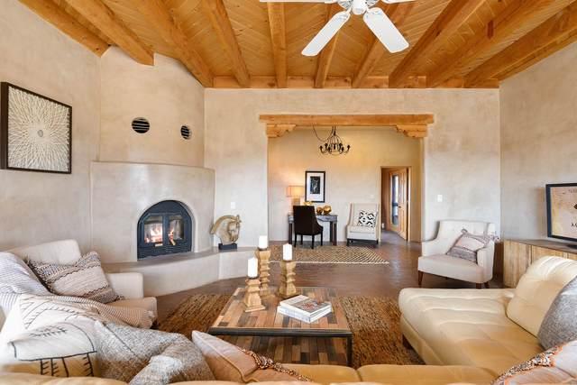 13 Las Caballeras, Santa Fe, NM 87508 (MLS #202000871) :: The Very Best of Santa Fe