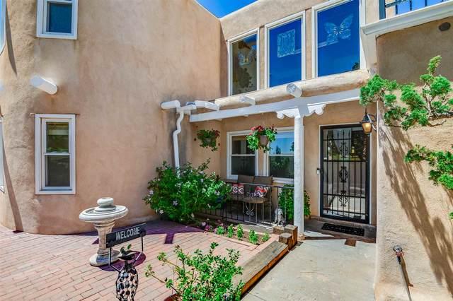 20 Avenida Del Monte Alto, Santa Fe, NM 87508 (MLS #202000906) :: Berkshire Hathaway HomeServices Santa Fe Real Estate