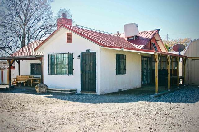 814 W Granada St, Espanola, NM 87532 (MLS #202000907) :: The Desmond Hamilton Group