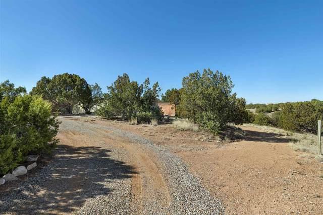 12 Kachina Road, Santa Fe, NM 87508 (MLS #202000937) :: The Very Best of Santa Fe
