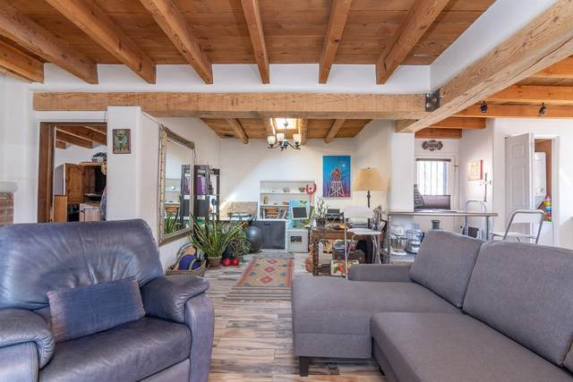 515 Camino Cabra, Santa Fe, NM 87505 (MLS #202000962) :: The Desmond Hamilton Group