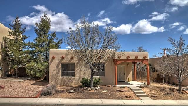 4025 Los Milagros, Santa Fe, NM 87507 (MLS #202001076) :: The Desmond Hamilton Group