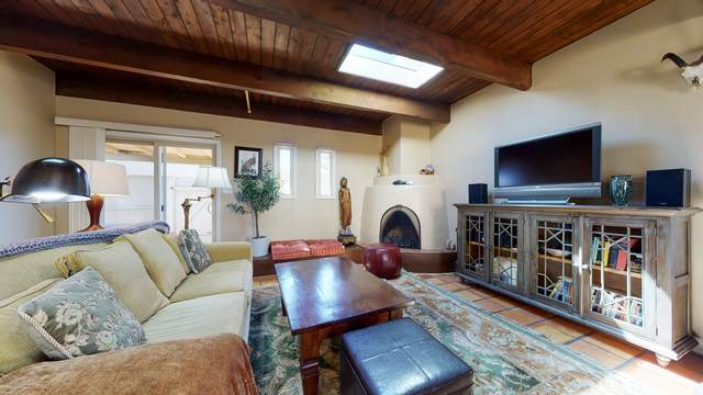 2927 Plaza Azul, Santa Fe, NM 87507 (MLS #202001091) :: The Very Best of Santa Fe