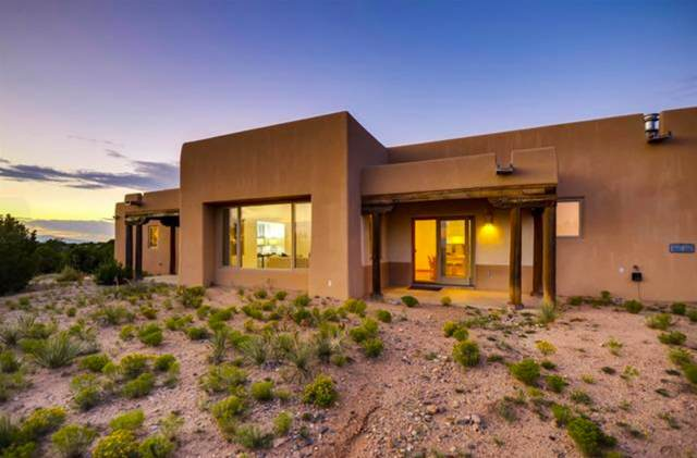 33 Calle Sinsonte, Santa Fe, NM 87507 (MLS #202001120) :: Berkshire Hathaway HomeServices Santa Fe Real Estate