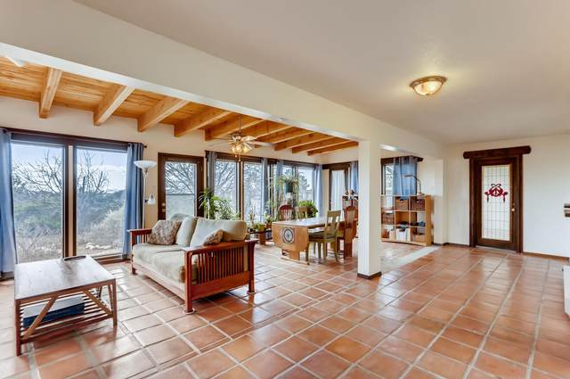 45 Verano Loop, Santa Fe, NM 87508 (MLS #202001138) :: The Desmond Hamilton Group