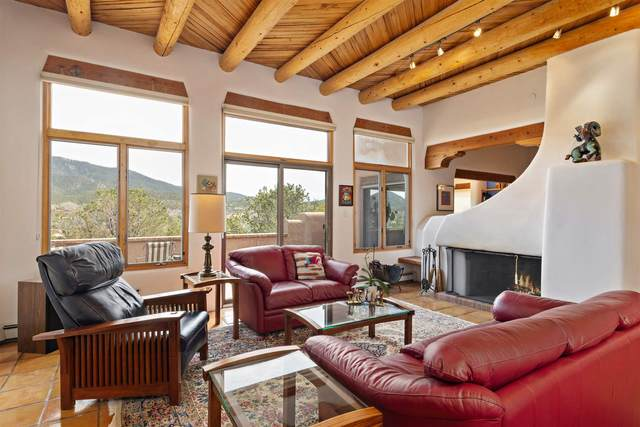 597 Monte Alto, Santa Fe, NM 87501 (MLS #202001140) :: The Desmond Hamilton Group