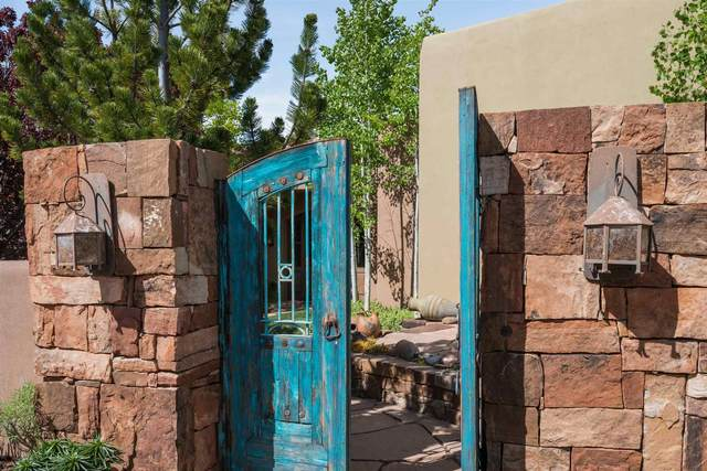 6 Mint Circle, Santa Fe, NM 87506 (MLS #202001144) :: The Desmond Hamilton Group