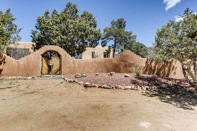 18 Hampton Road, Santa Fe, NM 87505 (MLS #202001161) :: The Very Best of Santa Fe