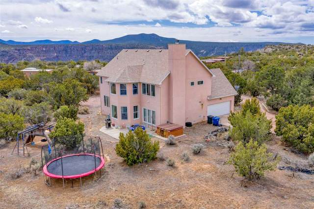 416 Estante Way, Los Alamos, NM 87547 (MLS #202001180) :: The Desmond Hamilton Group