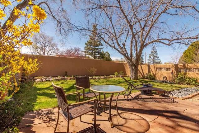 513 Calle Lucero, Santa Fe, NM 87505 (MLS #202001212) :: The Very Best of Santa Fe