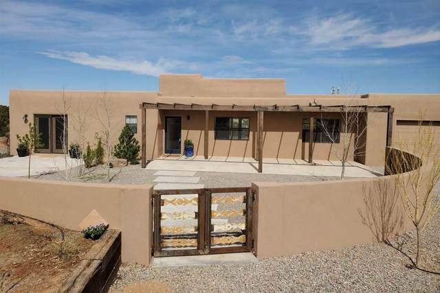 15 Domingo Rd, Santa Fe, NM 87508 (MLS #202001216) :: The Very Best of Santa Fe