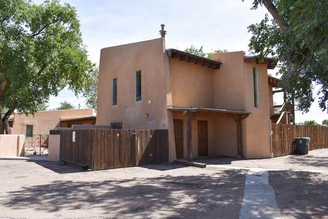 5360 A-C Agua Fria, Santa Fe, NM 87507 (MLS #202001305) :: The Very Best of Santa Fe