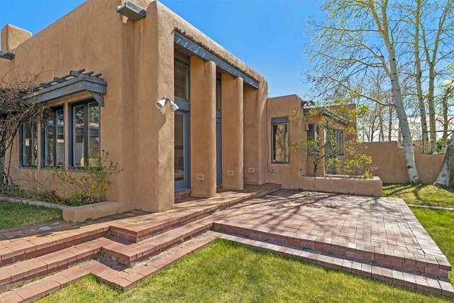 34 Avenida La Scala, Santa Fe, NM 87506 (MLS #202001327) :: The Very Best of Santa Fe