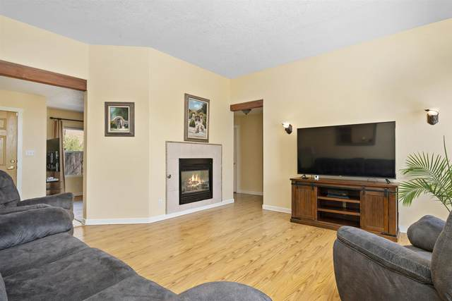 6694 Camino Rojo, Santa Fe, NM 87507 (MLS #202001340) :: The Desmond Hamilton Group