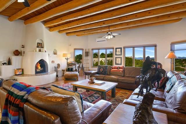 863 Paseo Del Sur, Santa Fe, NM 87501 (MLS #202001442) :: The Desmond Hamilton Group