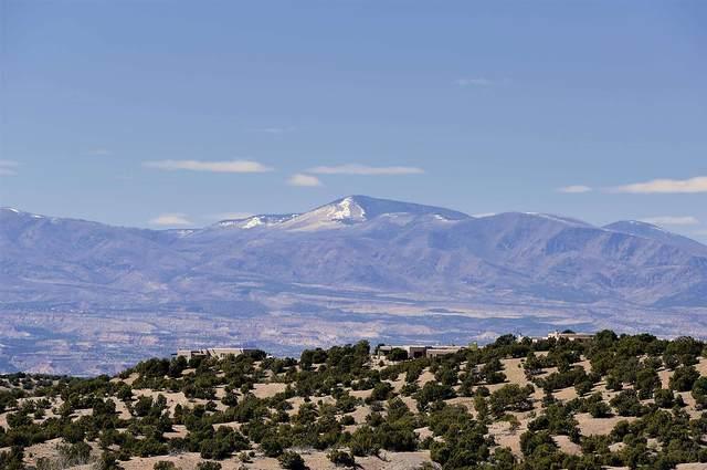 9 Sundance Ridge Circle, Santa Fe, NM 87506 (MLS #202001492) :: The Very Best of Santa Fe