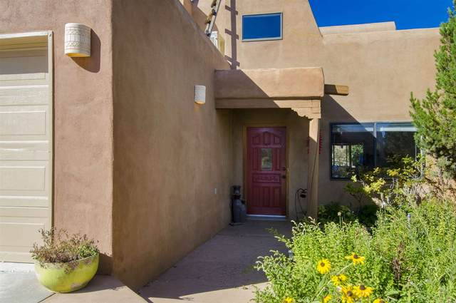 2852 Pueblo Bonito, Santa Fe, NM 87507 (MLS #202001611) :: The Very Best of Santa Fe