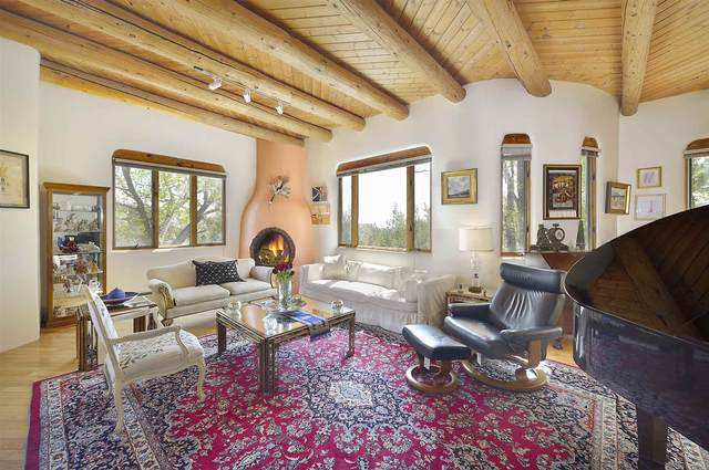 570 Camino Montebello, Santa Fe, NM 87501 (MLS #202001639) :: The Desmond Hamilton Group