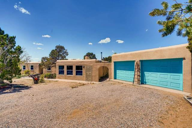 2 Verano Ct, Santa Fe, NM 87508 (MLS #202001663) :: The Desmond Hamilton Group