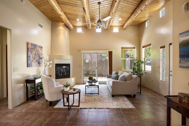 724 Calle Beatrice, Santa Fe, NM 87501 (MLS #202001670) :: The Very Best of Santa Fe