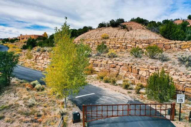 11 A Pulitzer Trail, Santa Fe, NM 87506 (MLS #202001673) :: The Desmond Hamilton Group