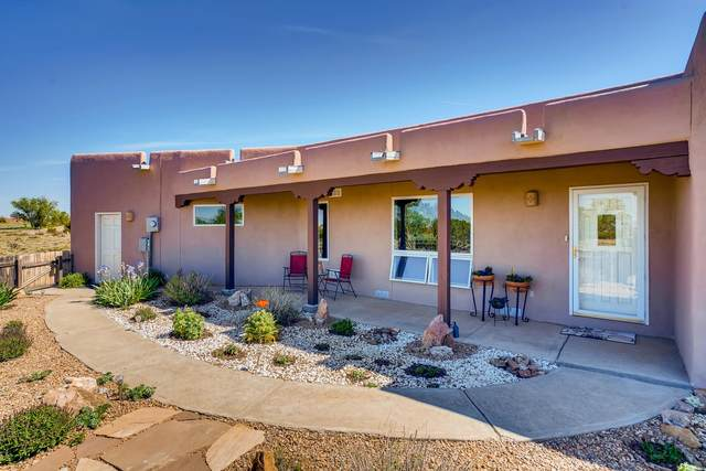 25 S Chamisa Drive, Santa Fe, NM 87508 (MLS #202001706) :: Summit Group Real Estate Professionals
