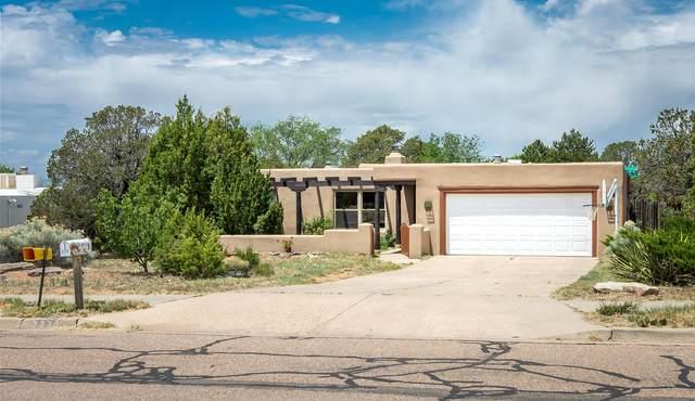 2230 Calle Alvarado, Santa Fe, NM 87505 (MLS #202001724) :: The Desmond Hamilton Group