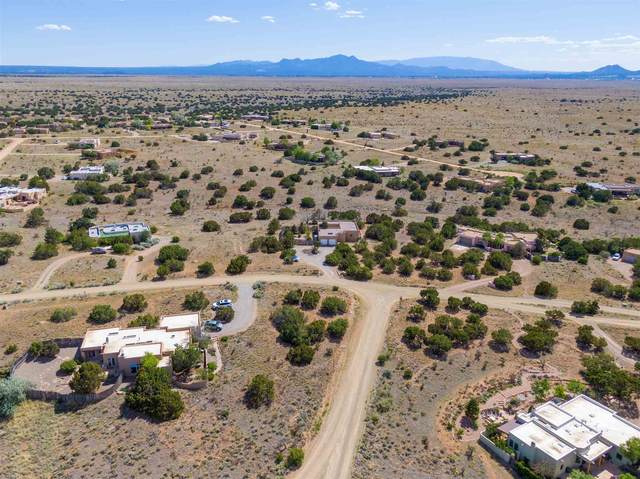 13 Ladera Rd, Santa Fe, NM 87508 (MLS #202001731) :: The Desmond Hamilton Group