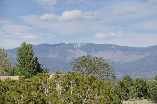 2 Entrada Hermosa, Santa Fe, NM 87506 (MLS #202001738) :: The Desmond Hamilton Group